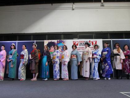 Desfile de kimonos en el Salón del Manga de Barcelona