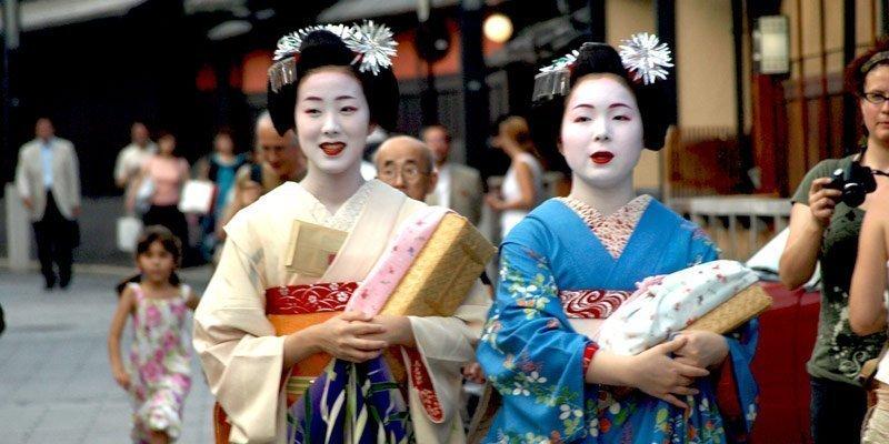 como contratar una geisha